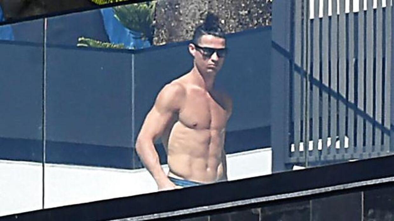 Cristiano Ronaldo på balkonen.