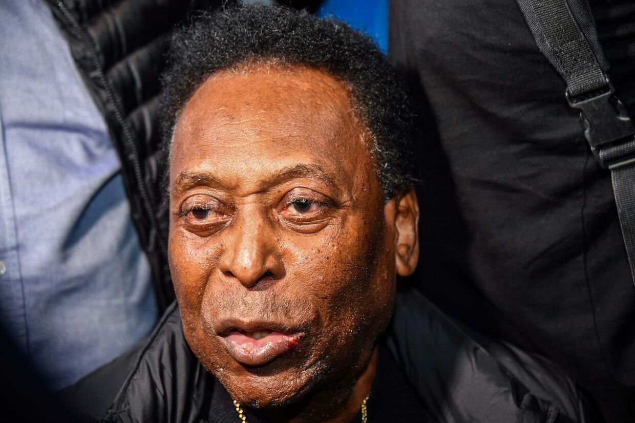 Brazilian football great Edson Arantes do Nascimento, known as Pele, arrives at Guarulhos International Airport, in Guarulhos some 25km from Sao Paulo, Brazil, on April 9, 2019. (Photo by NELSON ALMEIDA / AFP)