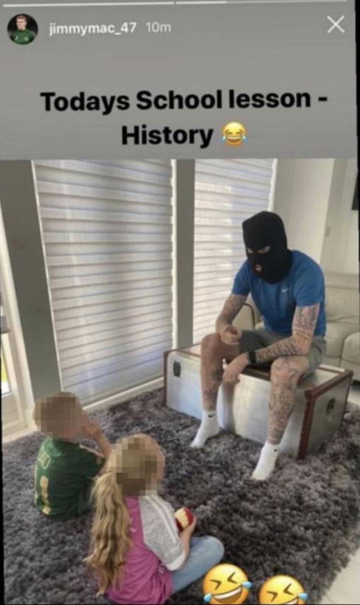 Her poserer McClean foran sine børn.
