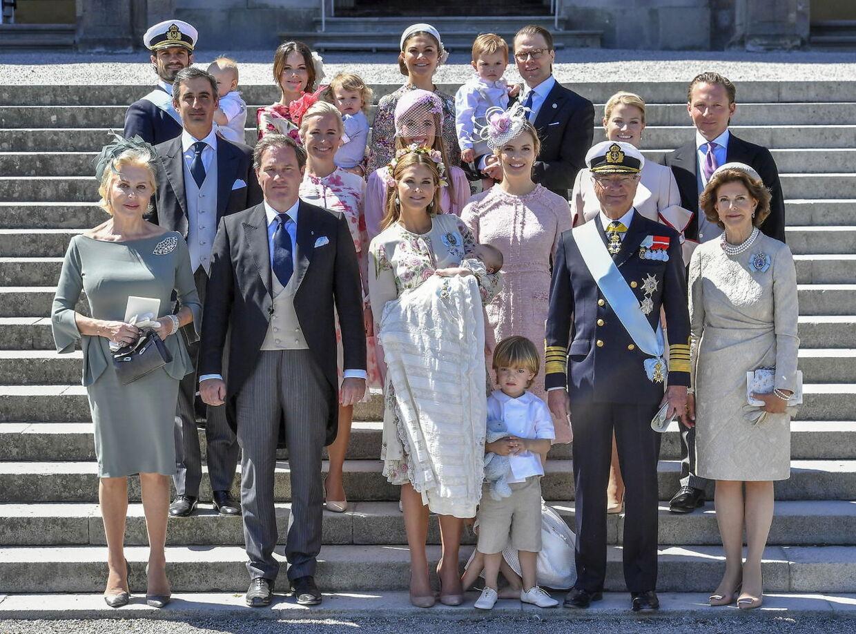 Familieportræt af den svenske kongefamilie (Arkivfoto)