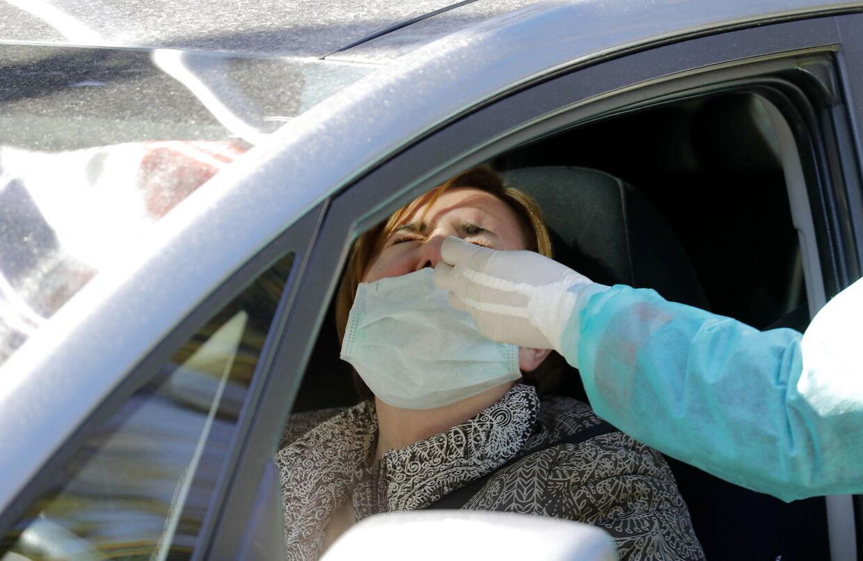 Færøerne var hurtige til at oprette drive-in-tests for coronavirus, så mange mennesker - også dem med milde symptomer - hurtigt kunne blive testet.