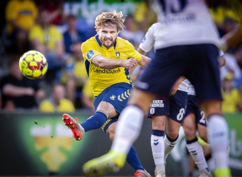 Kasper Fisker pådrog sig en alvorlig knæskade i kampen mellem Brøndby og AGF på Brøndby Stadion, søndag den 25 august 2019.