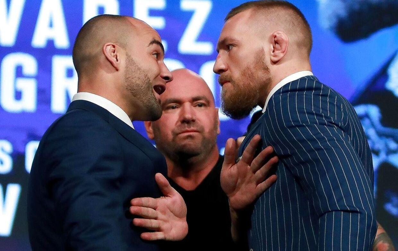 Dana White har tiligere måtte skille MMA-kæmpere ad. Her er det Eddie Alvarez (tv.) og Conor McGregor (th.).