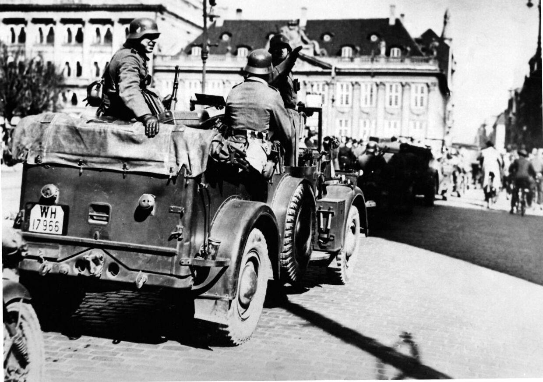 Sådan så der ud på Kgs. Nytorv den 9. april 1940.