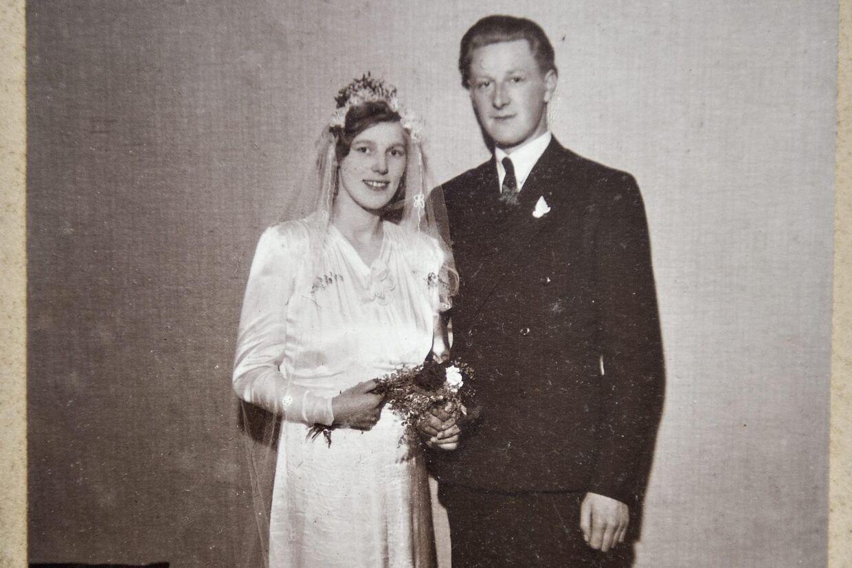 Kai Bosack sammen med sin kone Asta. Parret blev gift 2. april 1942 og nåede at holde krondiamantbryllup. Asta Bosack døde i 2010.