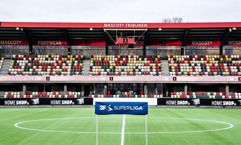 Tomme tribuner på Jysk Park i Silkeborg.