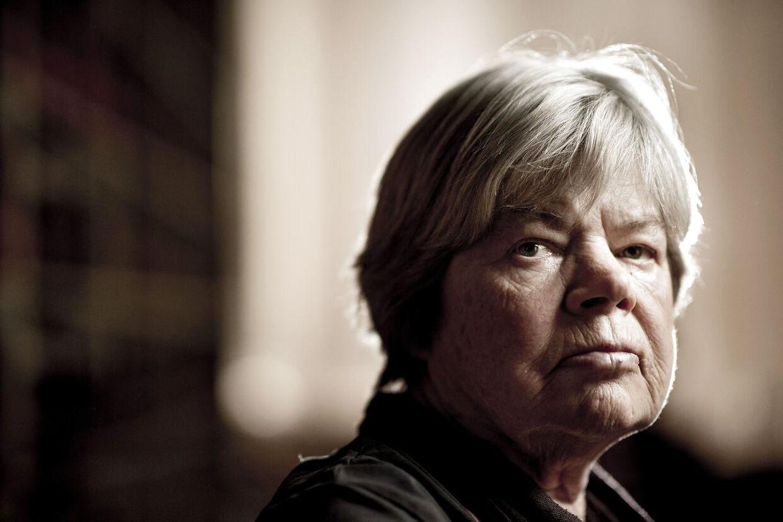 Professor emerita ved juridisk institut på Københavns Universitet, Eva Smith, kalder stigningen i dommernes bijovs for ret voldsom.