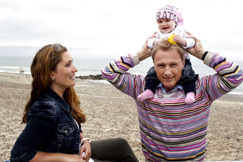 TV-lægen Peter Qvortrup Geisling og ekskæresten Christina Maria Jensen med deres datter Merle i 2011.