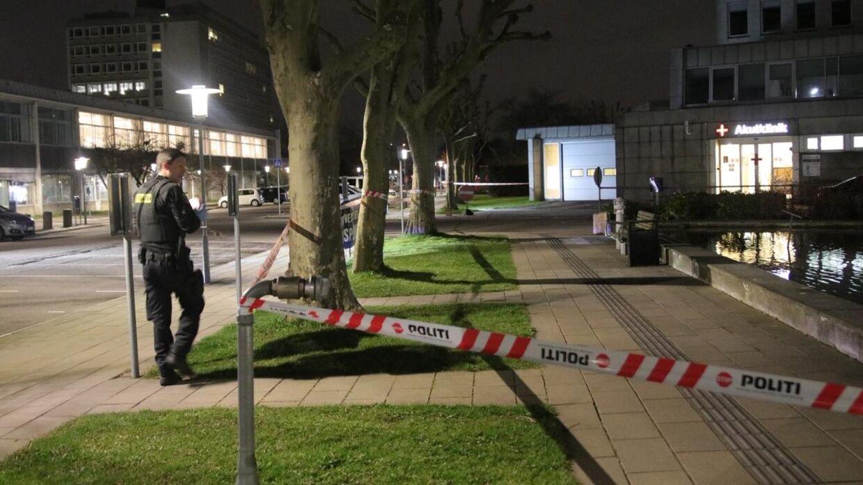 Politiet afspærede et område omkring Glostrup Hospital natten til torsdag.