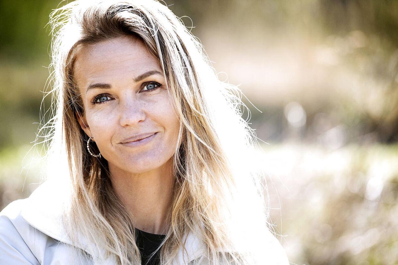 Tina Lund har i denne uge i et interview til B.T. erkendt, at det var en fejl, da hun lod sin bonusdatter vinde en af sine egne konkurrencer på Instagram.