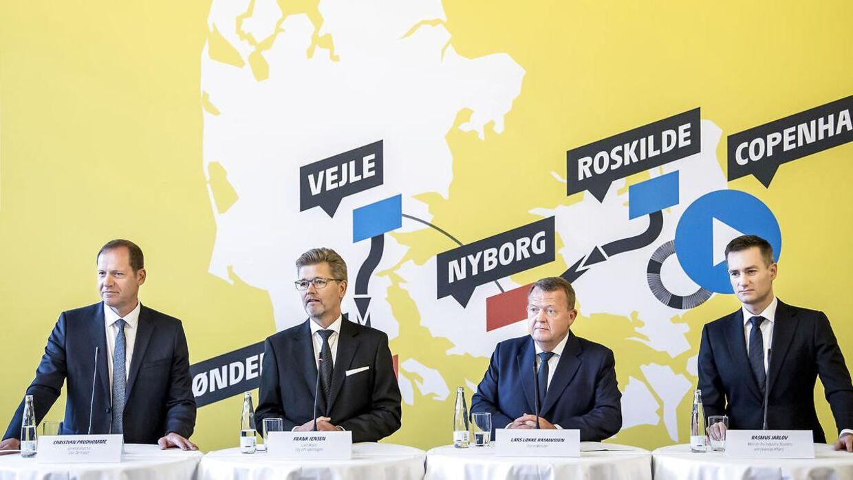 Tour de France-direktør Christian Prudhomme, Københavns overborgmester, Frank Jensen (S), daværende statsminister Lars Løkke Rasmussen og daværende erhvervsminister Rasmus Jarlov (K) ved pressemødet om Tour de France i København i februar 2019.