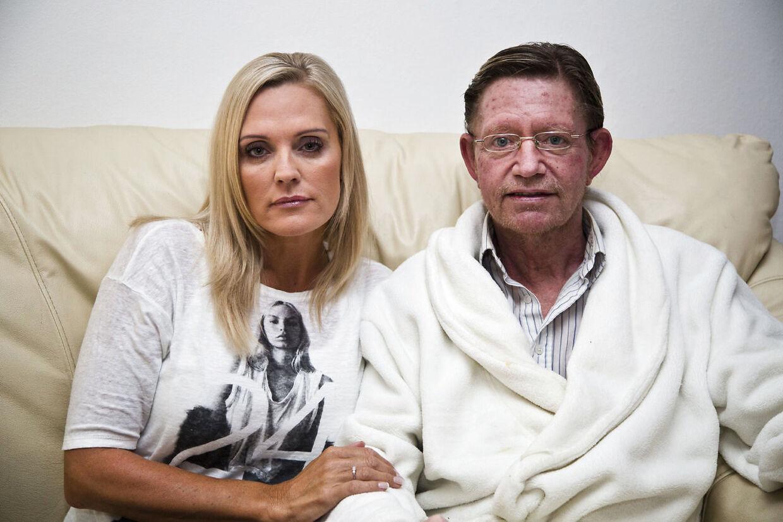 Janni Ree med sin kræftsyge far Allan Mathorne Thomsen, som døde for knap to år siden.