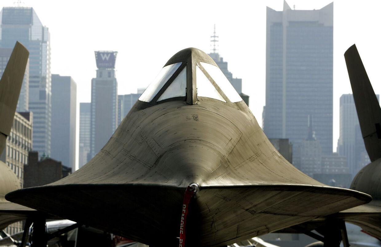 Det nu pensionerede spionfly, der her ses på dækket af en hangarskib i New York, tog forskud på nutidens Stealth-teknologi, der gjorde overvågningsflyet næsten usynligt for fjendtlige radarbølger.