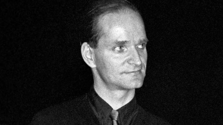 Flrorian Schneider.