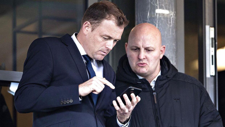 AGFs direktør Jacob Nielsen og sportschef Peter Christiansen i samtale dengang, hvor man kunne stå tæt sammen.