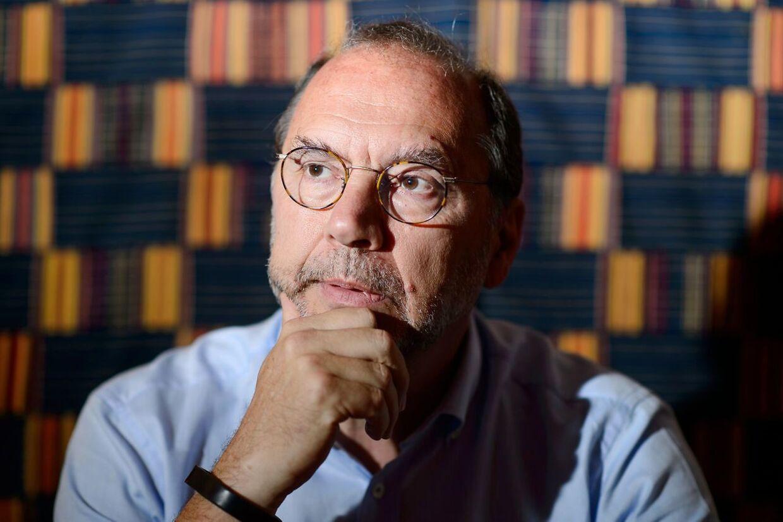 I 40 år har professor Peter Piot bekæmpet vira. Nu blev han selv ramt af corona. AFP PHOTO/Leon NEAL