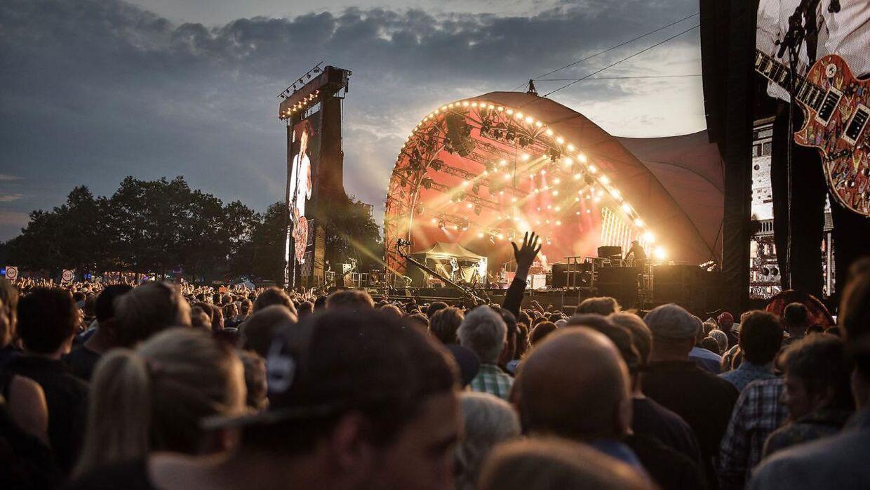 Roskilde Festival jubler, for langt størstedelen, der har købt billet til i år, holder fast på billetten.