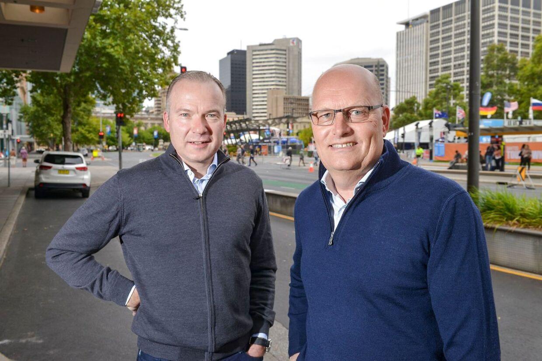 Siden tilgangen af Lars Michaelsen (tv.) og Bjarne Riis har NTT Pro Cycling haft stor sportslig fremgang.