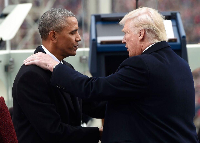 Alr andet end venner. Barack Obama forlader Det Hvide HUs, mens Donald Trump flytter ind.