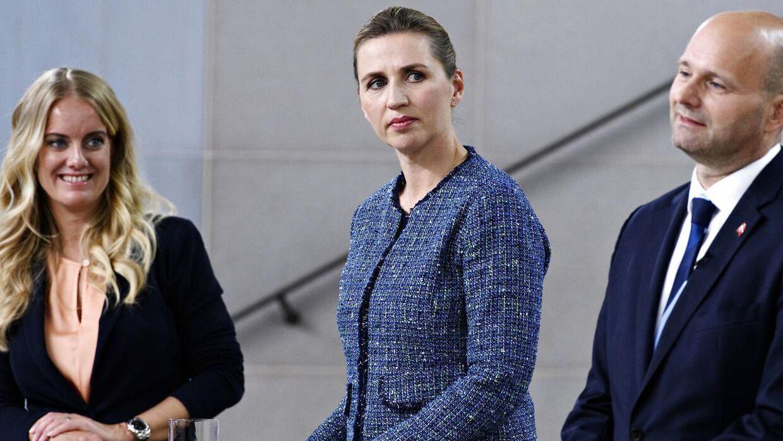 Pernille Vermund (NB), Mette Frederiksen (S) og Søren Pape Poulsen (K) under partilederdebat om covid-19 på Statens Museum for Kunst i København torsdag den 14. maj 2020.