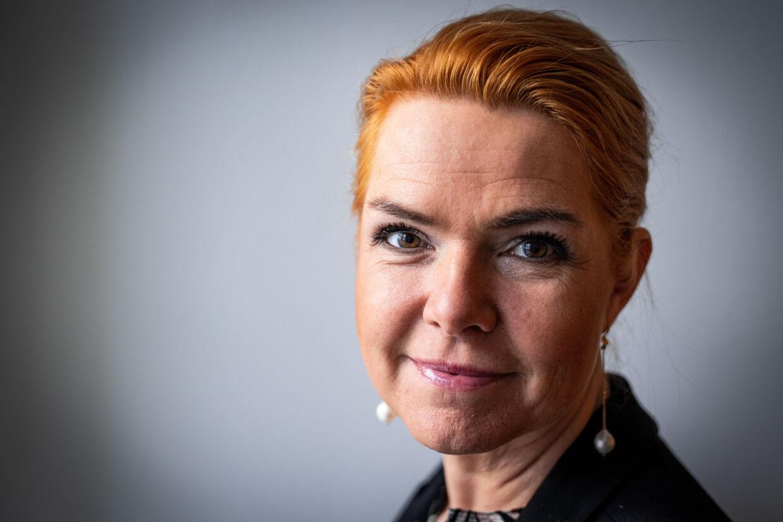 Sagen om de unge asylpar - også kendt som barnebrudssagen - omhandler en ulovlig instruks om at adskille alle asylpar, hvis den ene part var under 18 år. Et centralt spørgsmål, som Instrukskommissionen skal undersøge, er, hvorvidt daværende udlændinge- og integrationsminister var advaret om, at det var ulovligt. Niels Christian Vilmann/Ritzau Scanpix
