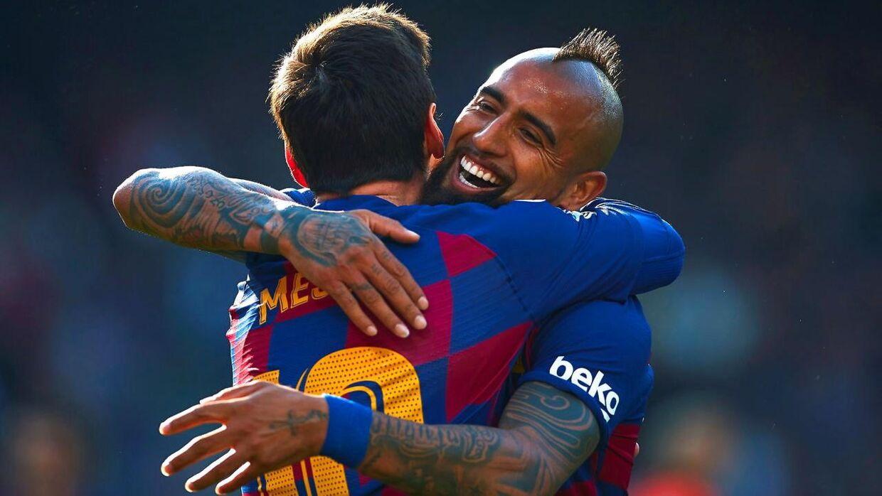 Efter sin tid i Juventus skiftede Arturo Vidal først til Bayern München og efterfølgende til FC Barcelona. Her ses han under en jubel med Lionel Messi.