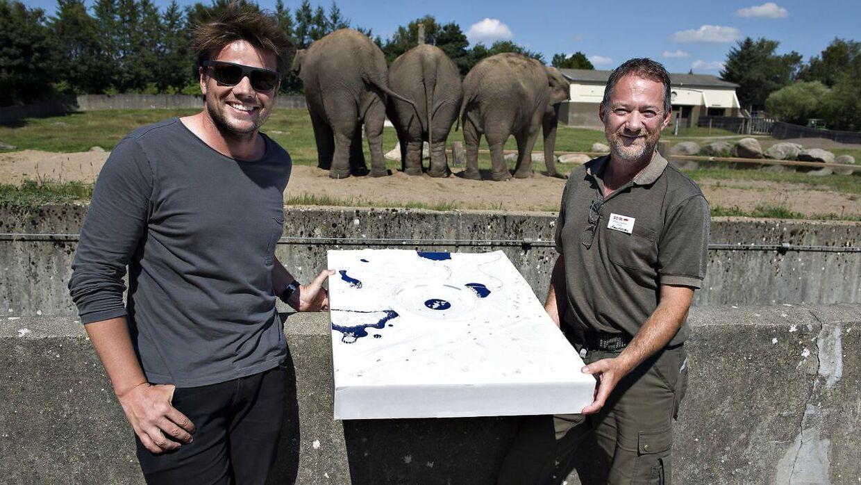 Her ses direktør i Givskud Zoo, Richard Østerballe (th), sammen med stjernearkitekten Bjarkes Ingels, der har designet fremtidens Givskud Zoo. På grund af coronakrisen kæmper Givskud Zoo nu for fremtiden.