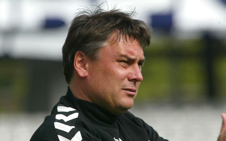 Tidligere AGF-træner Poul Hansen mindes afdøde Kurt Andersen.
