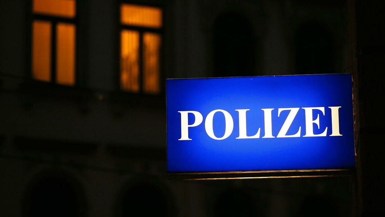 Tysk Politi-skilt. Arkivfoto.