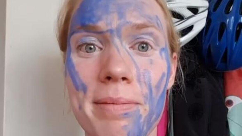 Lindahl bruger Instagram til sjov og ballade, og det er her, hun er blevet truet af en mand.