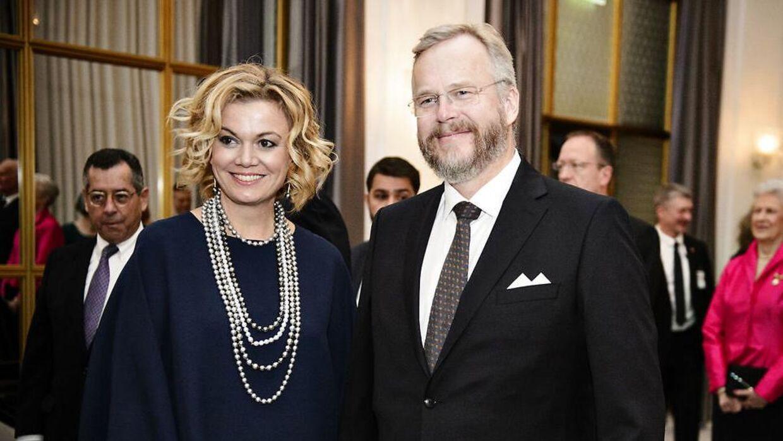 Grev Michael Ahlefeldt-Laurvig ses her med sin ekskone, Caroline Søeborg