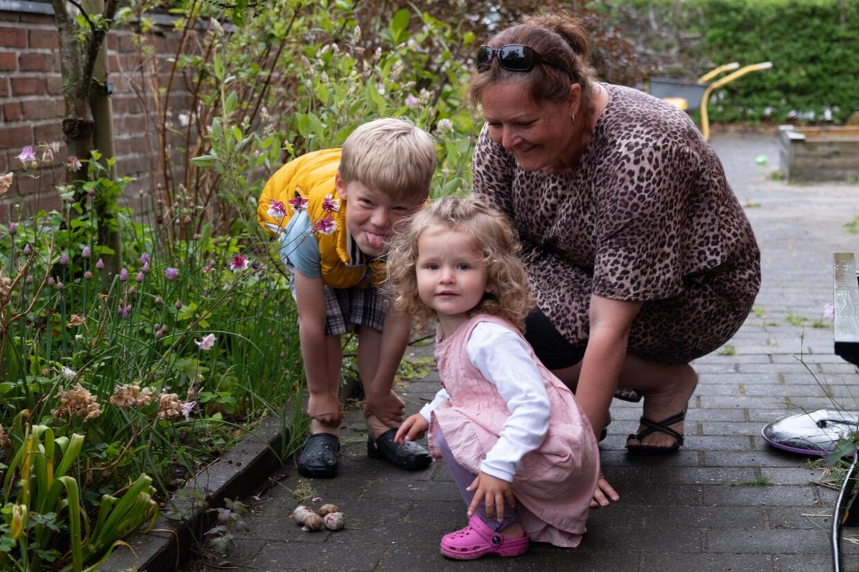 Janne og hendes to børn Kathrine og Thomas.