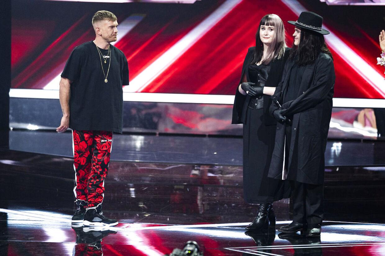Ankerstjernes sidste gruppe, Smokey Eyes, måtte forlade 'X Factor' i fredagens første del af årets finale.