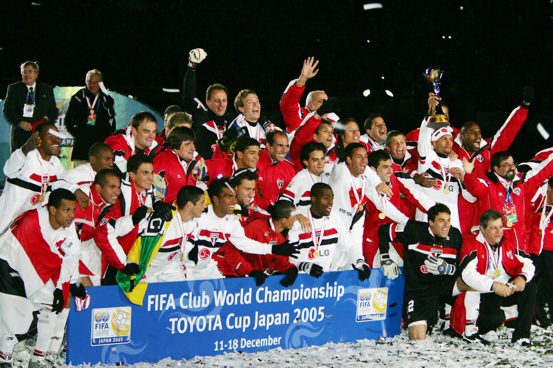 Glade Sao Paulo-spillere efter sejren over Liverpool.