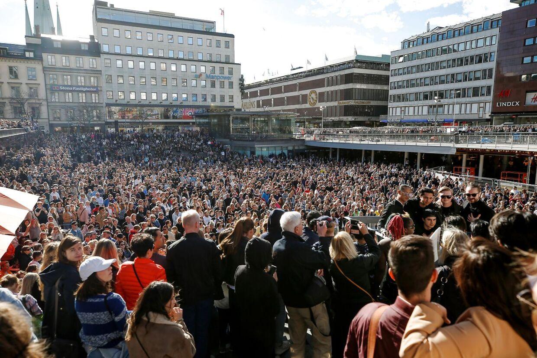 Sådan så det ud, da Sverige hyldede Avicii efter hans død.