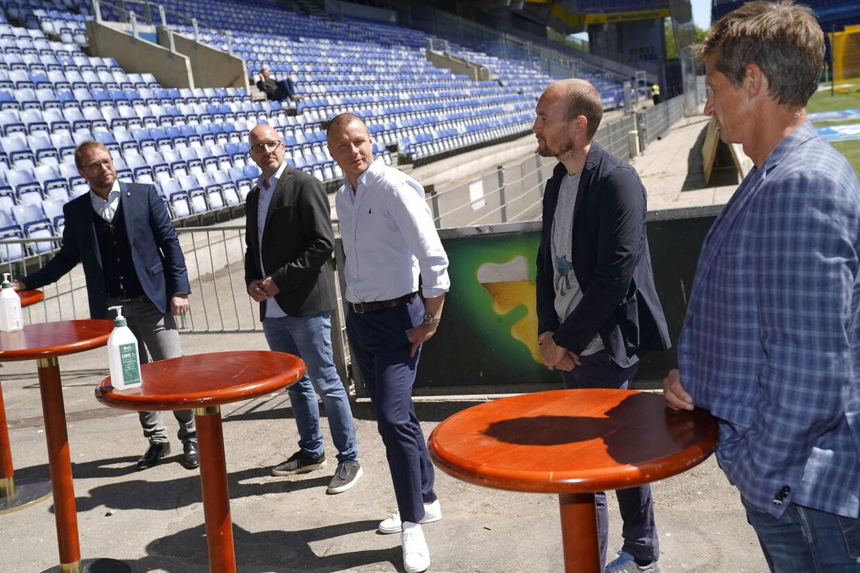 Pressemøde om charityevent Fodbold mod corona i Brøndby, tirsdag den 26. maj 2020. Initiativtagere er Thomas Kahlenberg og Daniel Agger. (Foto: Martin Sylvest/Ritzau Scanpix 2020)