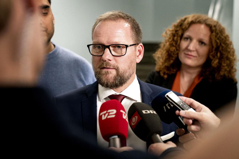 DF's Finansordfører René Christensen vil have danskernes indefrosne feriepenge udbetalt hurtigst muligt for at sparke gang i forbruget. (Foto: Ida Guldbæk Arentsen/Scanpix 2020)