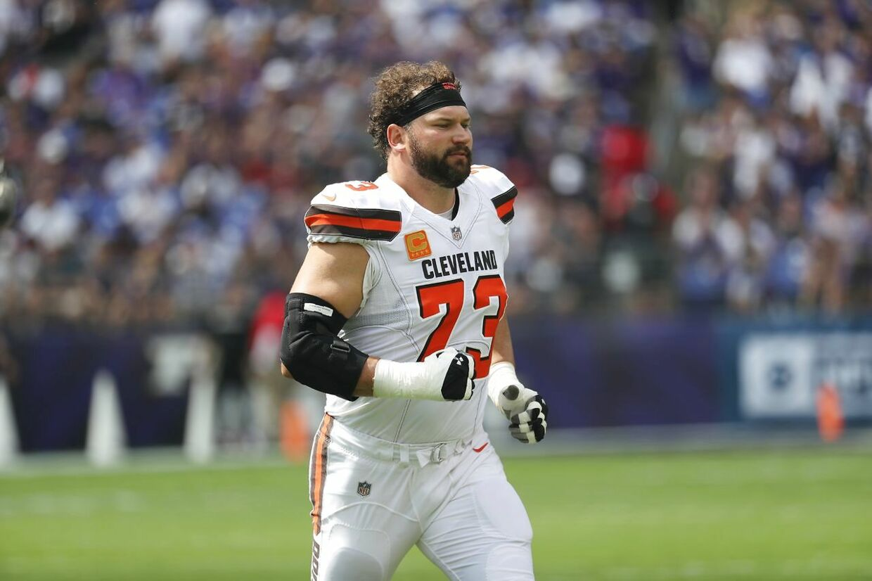 BALTIMORE, MD - SEPTEMBER 17: Offensive tackle Joe Thomas #73 of the Cleveland Browns before they take on the Baltimore Ravens at M&T Bank Stadium on September 17, 2017 in Baltimore, Maryland. Rob Carr /Getty Images/AFP == FOR NEWSPAPERS, INTERNET, TELCOS & TELEVISION USE ONLY ==