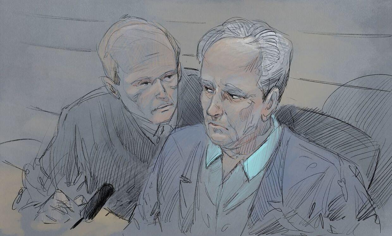 Tom Hagen foreviget af en tegner, da han var i retten i forbindelse med sin anholdelse. Ved siden af ham ses forsvarsadvokat Svein Holden.