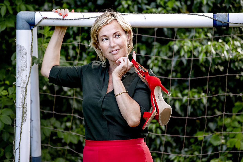 Natasja Crone har stået på mål for meget i sin karriere. Men også på hjemmefronten, hvor hendes rolle som mor er ved at være udspillet.