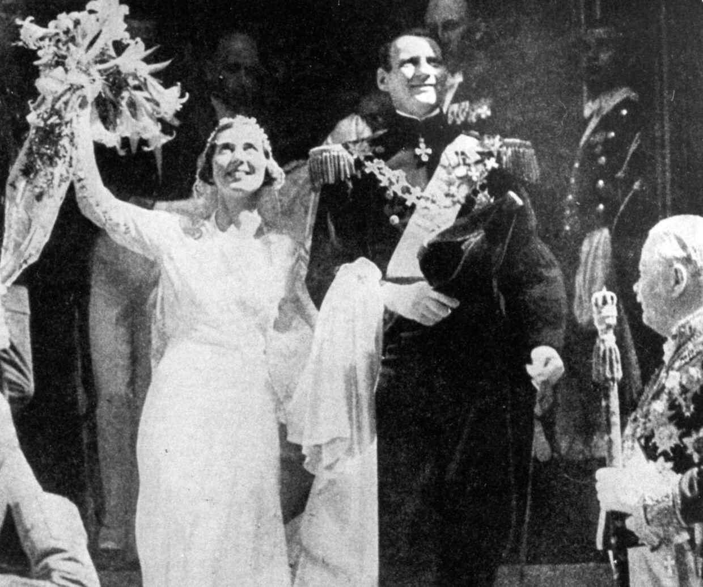 Den 24. maj 1935 fik den danske kronprins Frederik sin brud. Brylluppet foregik i Sverige.