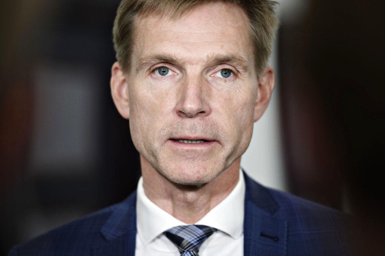 Kristian Thulesen Dahl (DF) ankommer til sættemøde om klimaforhandlinger mellem Folketingets partier og Regeringen i Finansministeriet i København, tirsdag den 26. maj 2020.