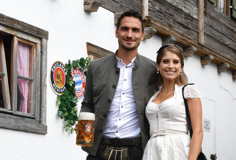 Både Mats og Cathy Hummels er fra München - og her bliver det vist ikke mere sydtysk.