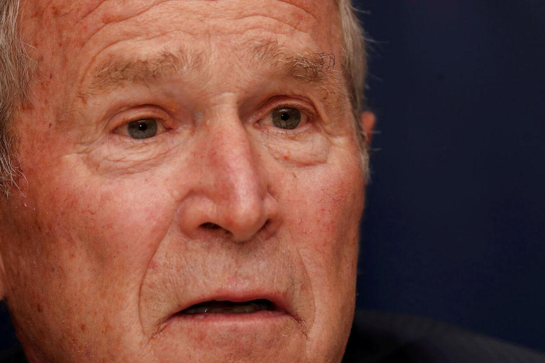 George W. Bush opfordrer i en erklæring til, at man bør lytte til de sorte demonstranter. Arkivfoto