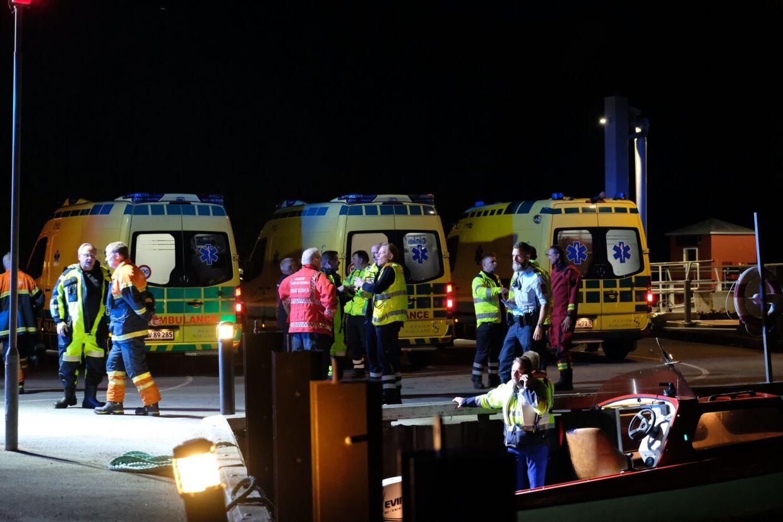 Der var masser af ambulancer inde på land ved Skælskør, da Kenneth og de fire andre skulle have hjælp