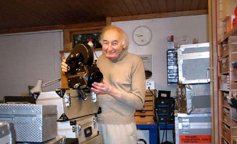 Frank Paulsen i sin garage.