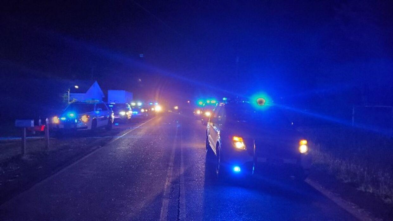 Politiets billede fra stedet i Alabama, hvor de er rykket ud til et syvdobbelt drab.
