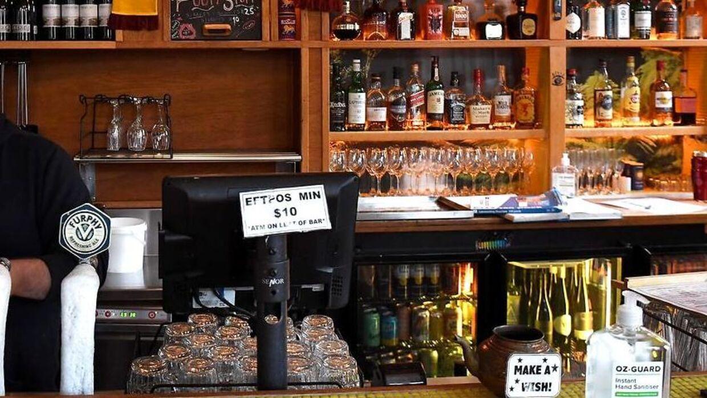Efter at have påkørt en mand, der ventede på bussen i Aberdeen, flygtede Martin Henderson ind på en pub og bestilte en øl. Arkivfoto.