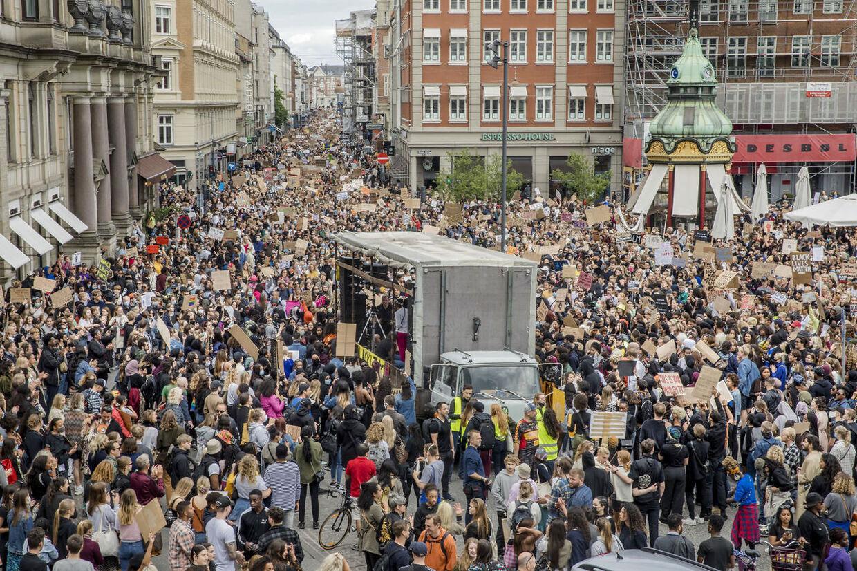 Der var omkring 15.000 mennesker samlet, da Black Lives Matter Denmark afholdt demonstration i København.