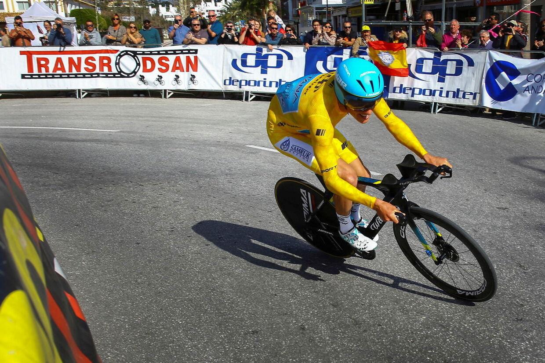 Jakob Fuglsang nåede at få en kanon start på 2020. Han vandt Vuelta Ciclista a Andalucia etapeløbet i februar ligesom han gjorde i 2019.